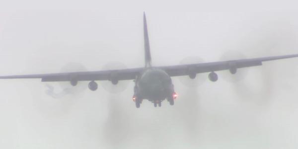 Avião da FAB com vítimas da tragédia da Chapecoense