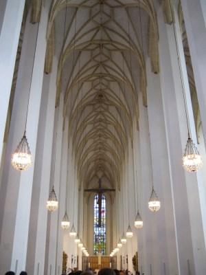 As colunas que impediam a visão das janelas laterais