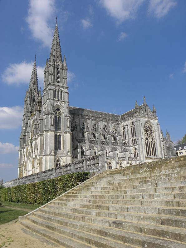 la_chapelle-montligeon_61_basilique_2