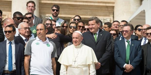 POPE FRANCIS,BRAZILIAN SOCCER TEAM