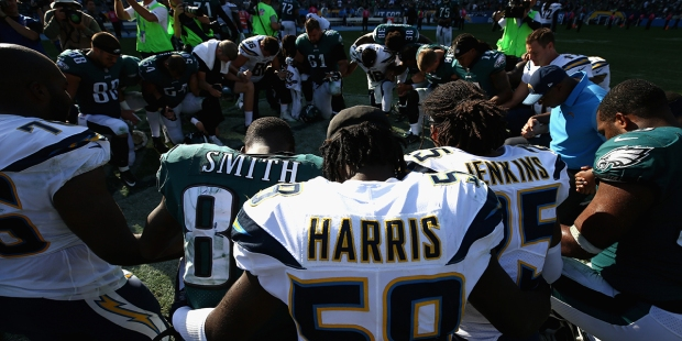 NFL,KNEE,PRAY