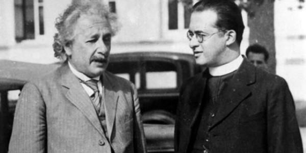 Albert Einstein e Padre Geoges Lemaître, juntos na Califórnia, em 1933