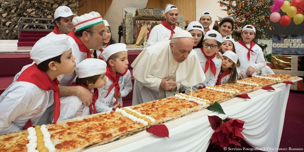 POPE FRANCIS,PIZZA