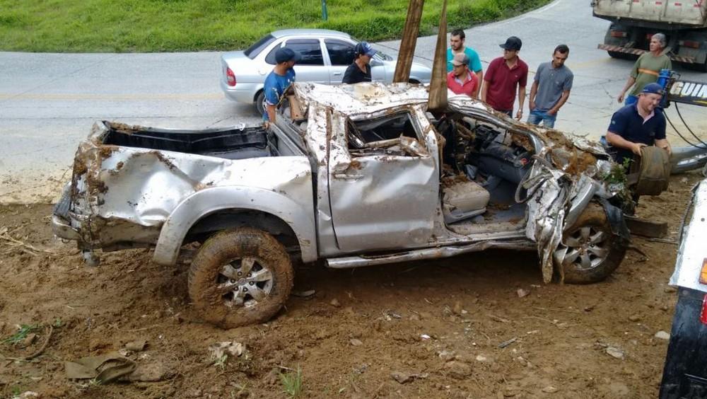 Acidente SC-418 resgate casal caminhonete