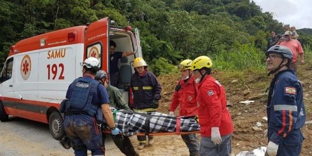 Acidente SC-418 resgate casal