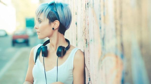 WOMAN,BLUE,HAIR
