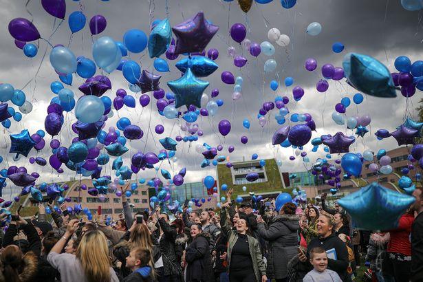 Alfie Evans balões