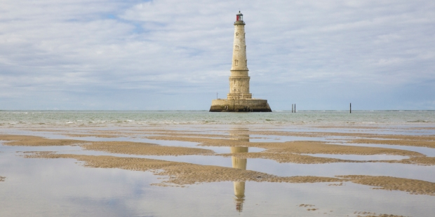 THE HISTORICAL LIGHTHOUSE OF CORDOUAN AT LOW TIDE