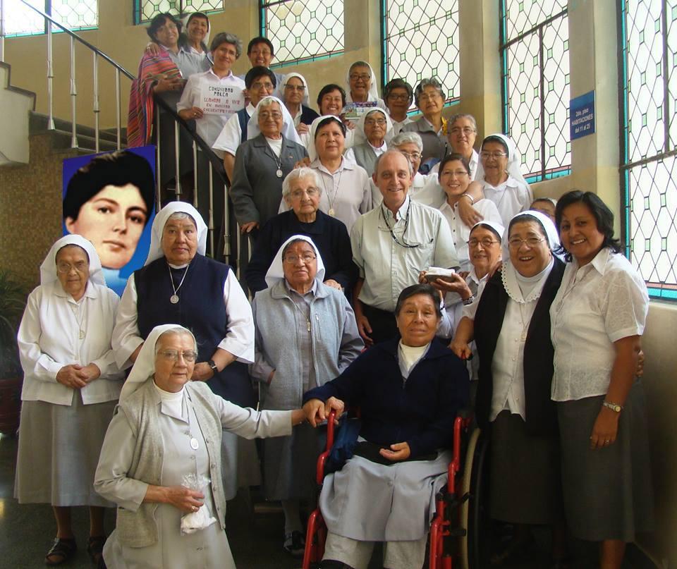 Misioneras Parroquiales del Niño Jesus de Praga en Tacna Peru