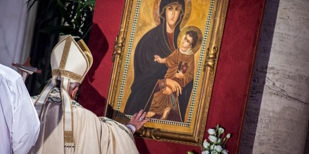 POPE FRANCIS SALUS POPULI ROMANI