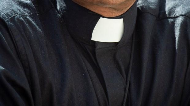 PRIEST COLLAR