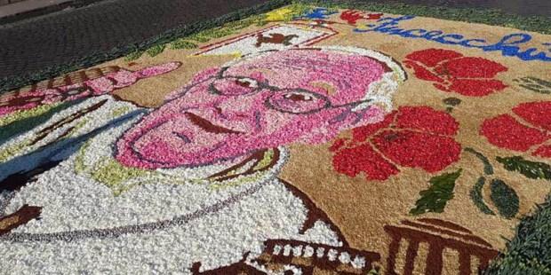 FLOWERS,POPE