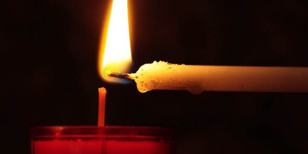 CANDLE,LIGHT