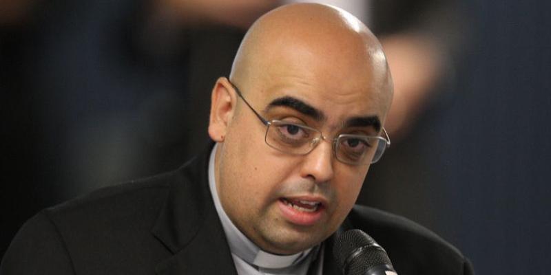 Pe José Eduardo Oliveira