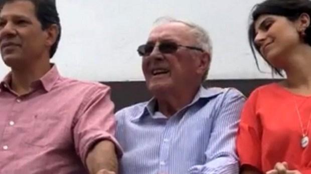Padre Jaime Crowe com Haddad