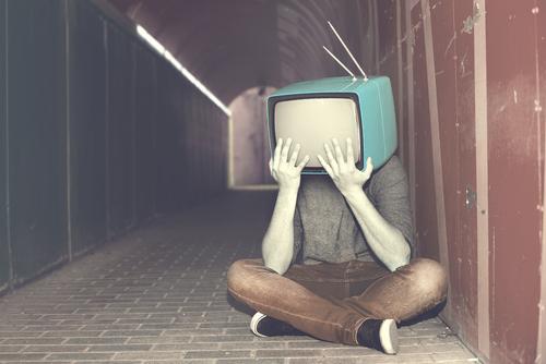 UOMO, TESTA, TELEVISIONE