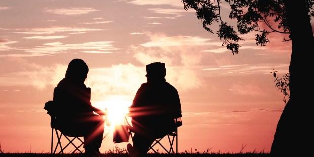 casal pôr do sol