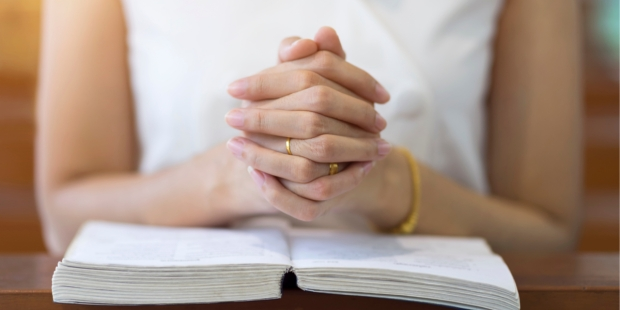 CAREME; BIBLE; WOMAN
