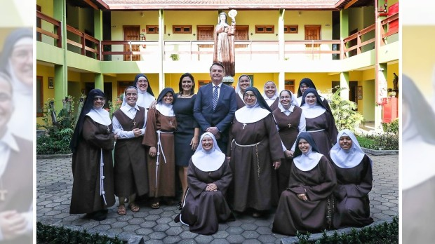 Bolsonaro e irmãs clarissas