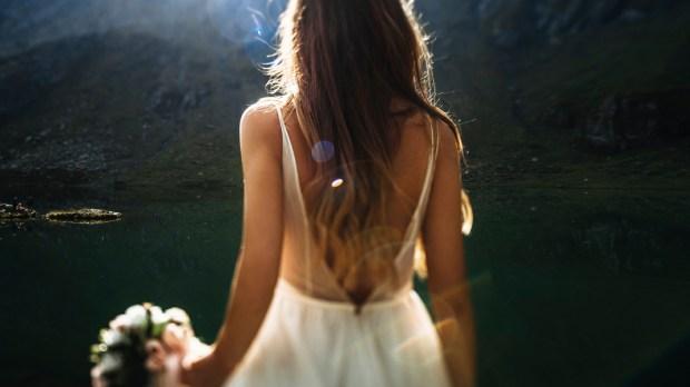 BRIDE, SUNRISE, MOUNTAINS