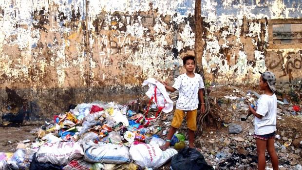 PHILIPPINES STREET CHILDREN