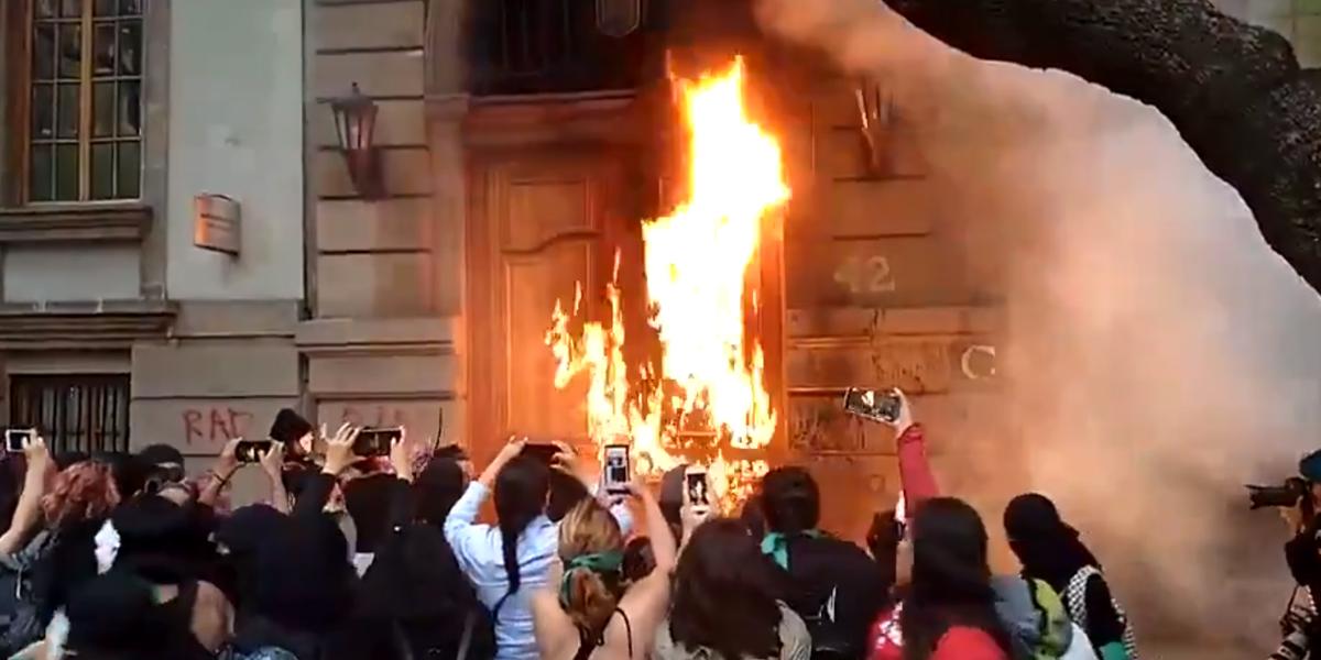 Vandalismo feminista no México