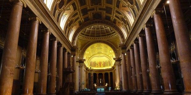 Catedral de São Pedro em Rennes