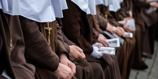 Freiras da Espanha, as Irmãs Da Cruz sofrem surto de covid