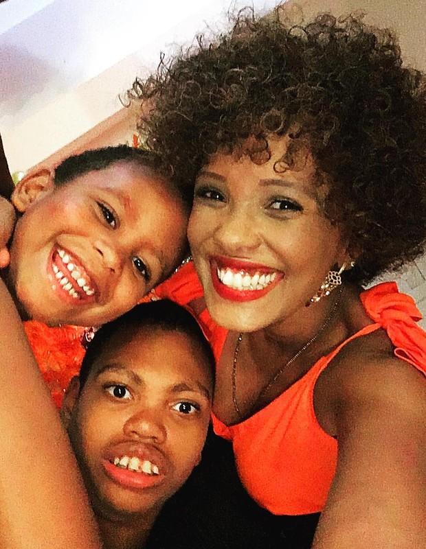 Celebridades e filhos com necessidades especiais: Isabel Fillardis, Kalel e Jamal