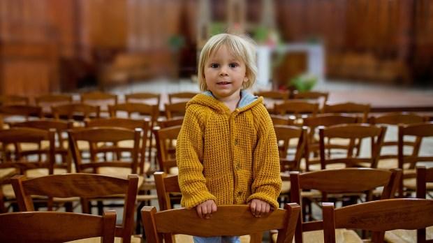 Criança na Igreja