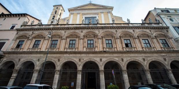 Basílica dos Doze Apóstolos fotos