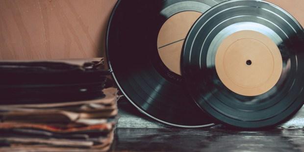 MUSIC; VINIL