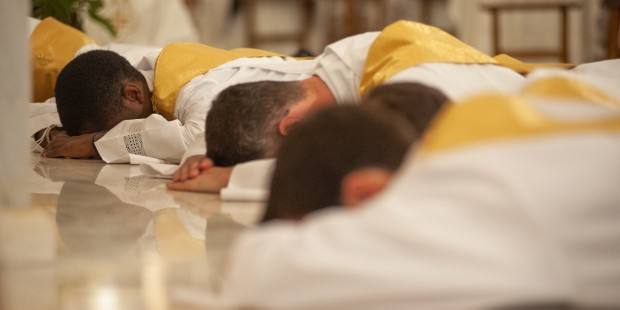 Padres ordenados na França