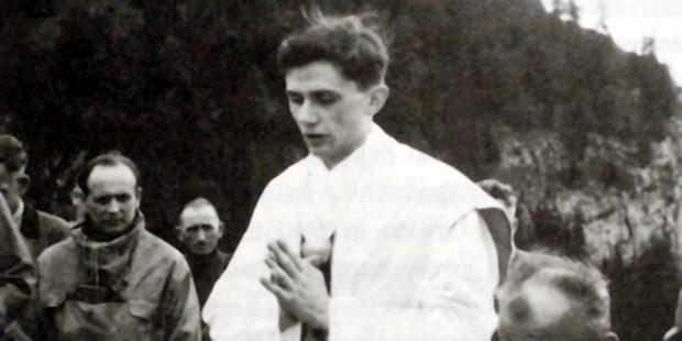 Padre Joseph Ratzinger, futuro Papa Bento XVI