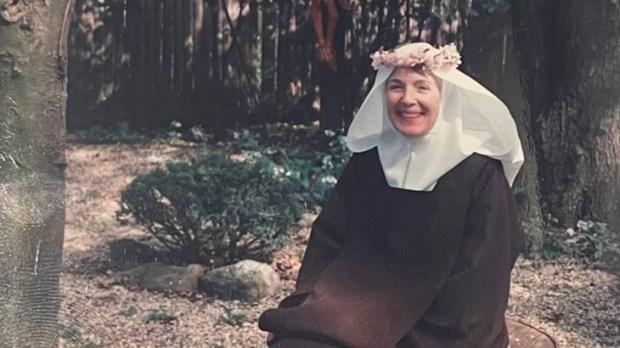 Irmã Ann Russell Miller, freira viúva e mãe de dez filhos