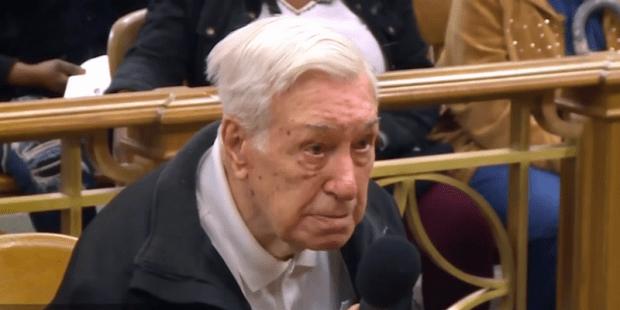 Juiz perdoa multa de Victor Colella, de 96 anos