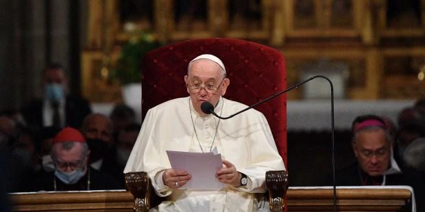 Papa Francisco pede homilias mais curtas