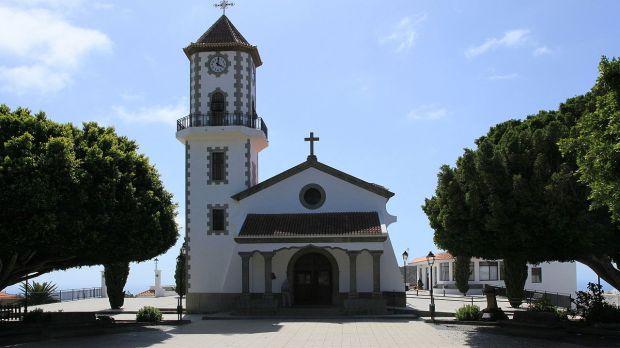 Lava derruba igreja de São Pio X em Todoque, La Palma
