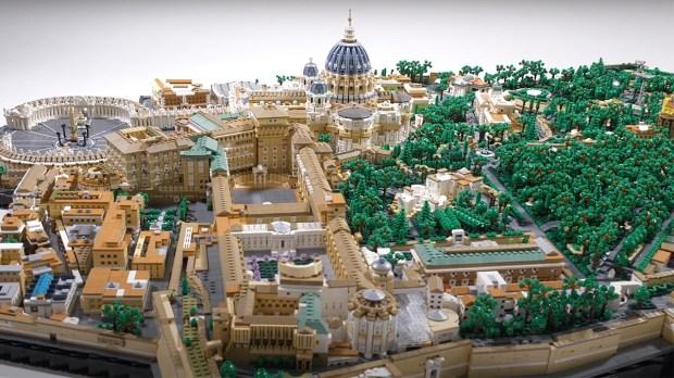 VATICAN LEGOS